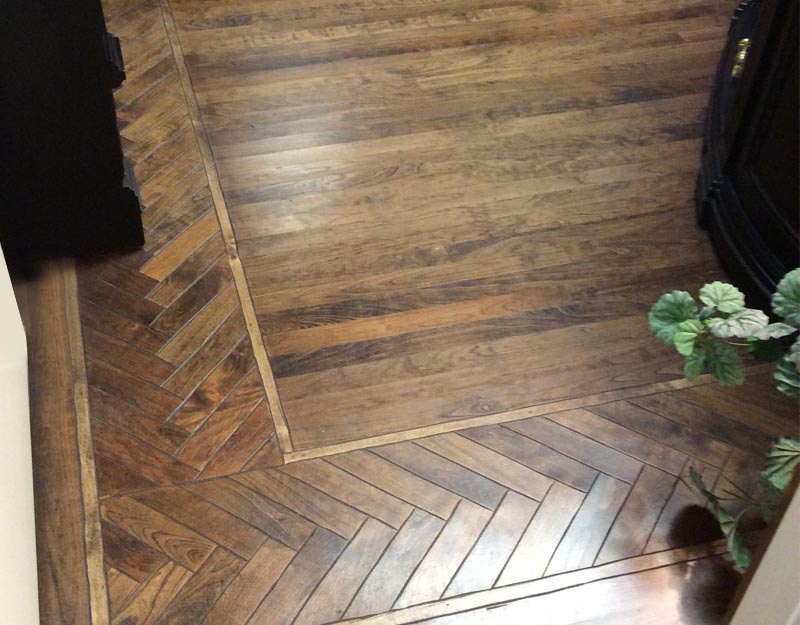 White Oak Floor Beveled Herringbone Border